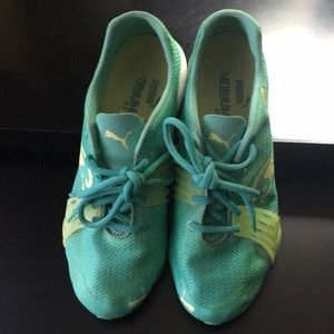 PUMA aqua green like new size 7.5 running shoes